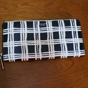 Coach zip around accordion wallet wild plaid